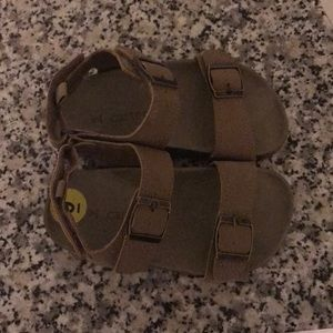 Carters new toddler boys sandals size 9T in tan